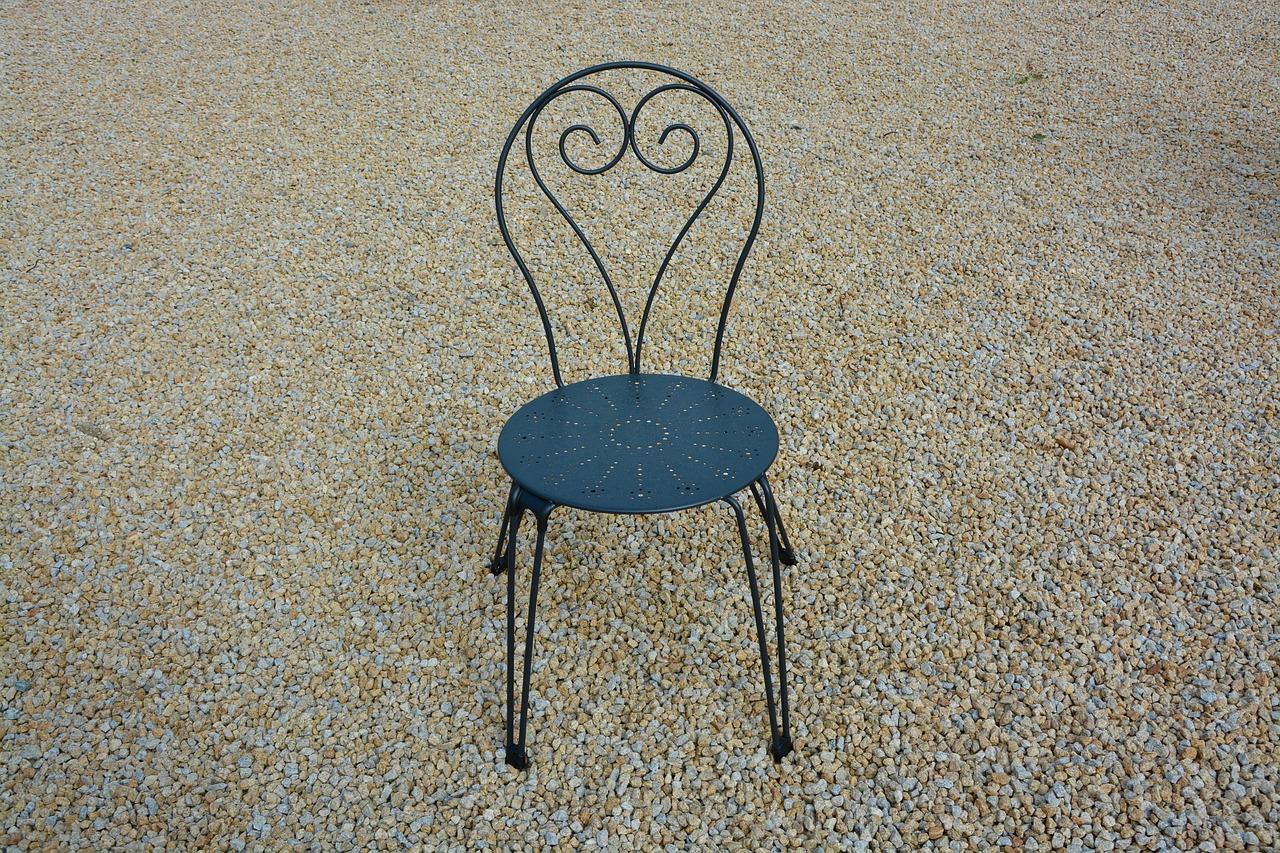 столове от ковано желязо русе